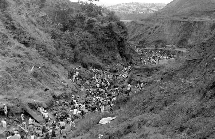 9b23515033 E se ainda chover ouro em Itabira  - Vila de Utopia