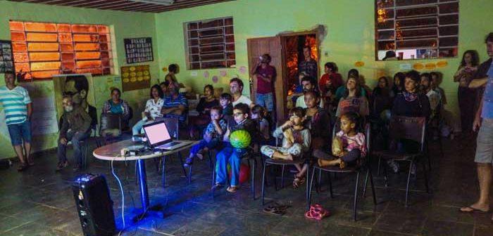 Cine Serra apresenta a primeira sessão de cinema nos Alves com debate sobre água e saneamento básico
