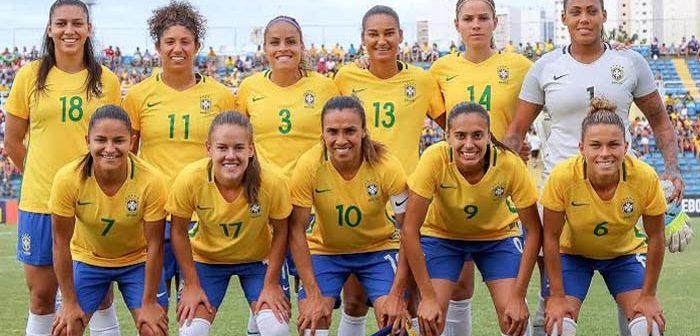 Seleção feminina joga bem, mas sucumbe frente às francesas lutando até o fim da partida