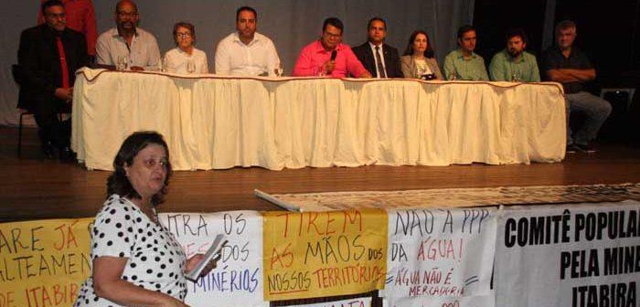 Moradores e ativistas exercitam a democracia direta em Audiência Pública das Barragens no Centro Cultural
