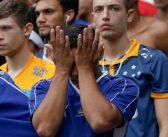 Reflexo de casa arrombada, Cruzeiro amarga queda para a série B nunca vivida pelo gigante da Pampulha